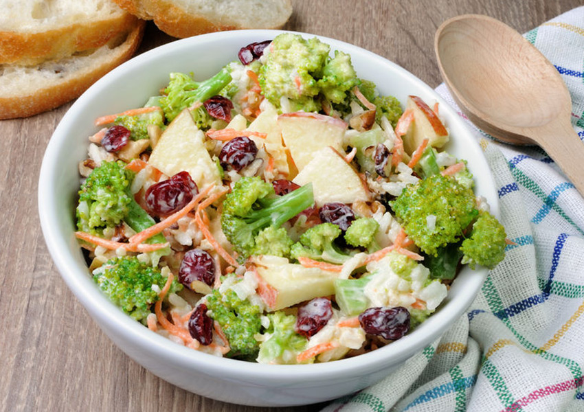 Easy Apple Broccoli Salad